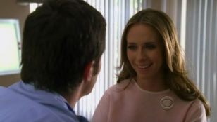 Ghost Whisperer 04x05 : Bloodline- Seriesaddict